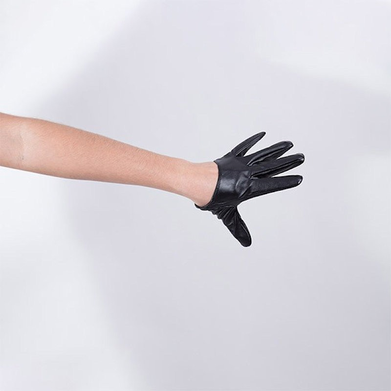 Cropped Hand Finger Vinyl Glove Black