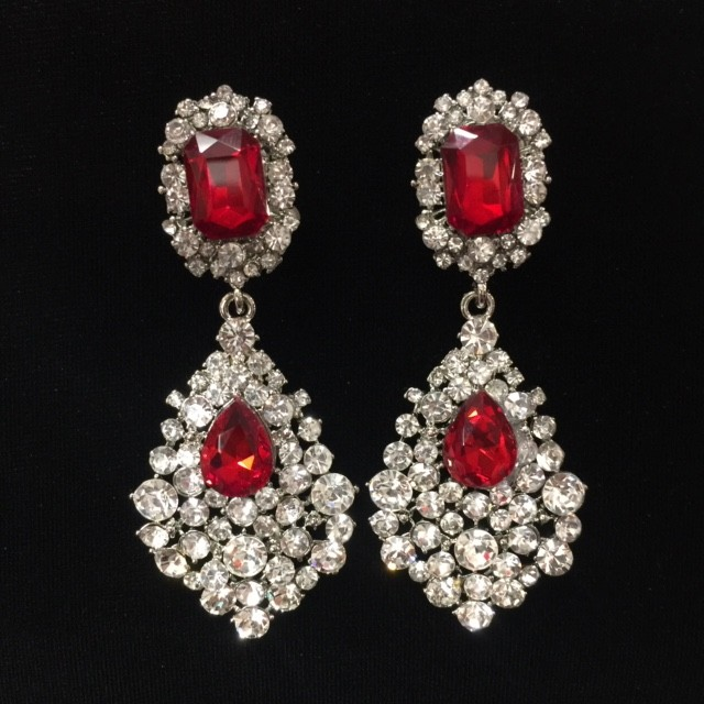 Red and Clear Crystal Diamante Earring S31